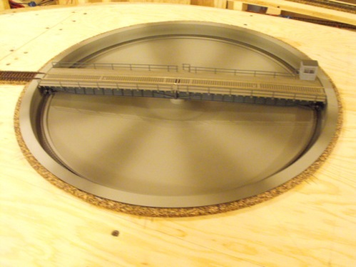 Layout dynamics donner summit ho scale layout for Car turntable plans