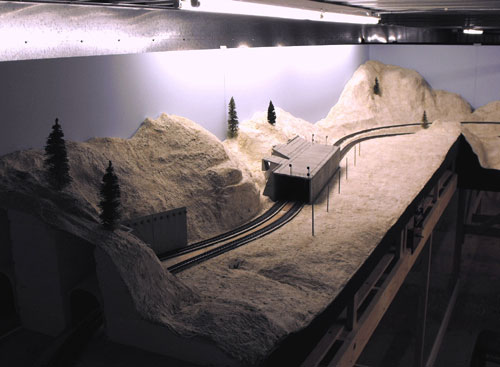 Shallenberger Rigde side of the Donner Summit HO Scale layout from Tunnels 13 and 42 towards Shed 47.