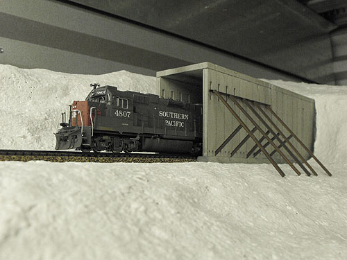 HO scale Southern Pacific locomotive 4807 exiting east end of Donner Summit Tunnel 6.