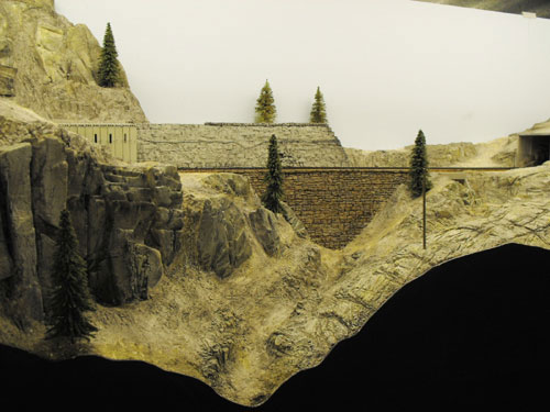 HO scale Donner Summit Chinese Walls, foam rock faces and newly finished scenery.