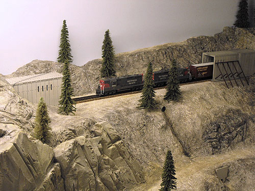 Donner Summit HO scale layout with scratch built tunnel 6 and tunnel 7 with finished rock work.