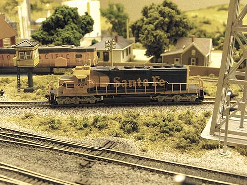 Poco Grande Sub N Scale Layout Photo